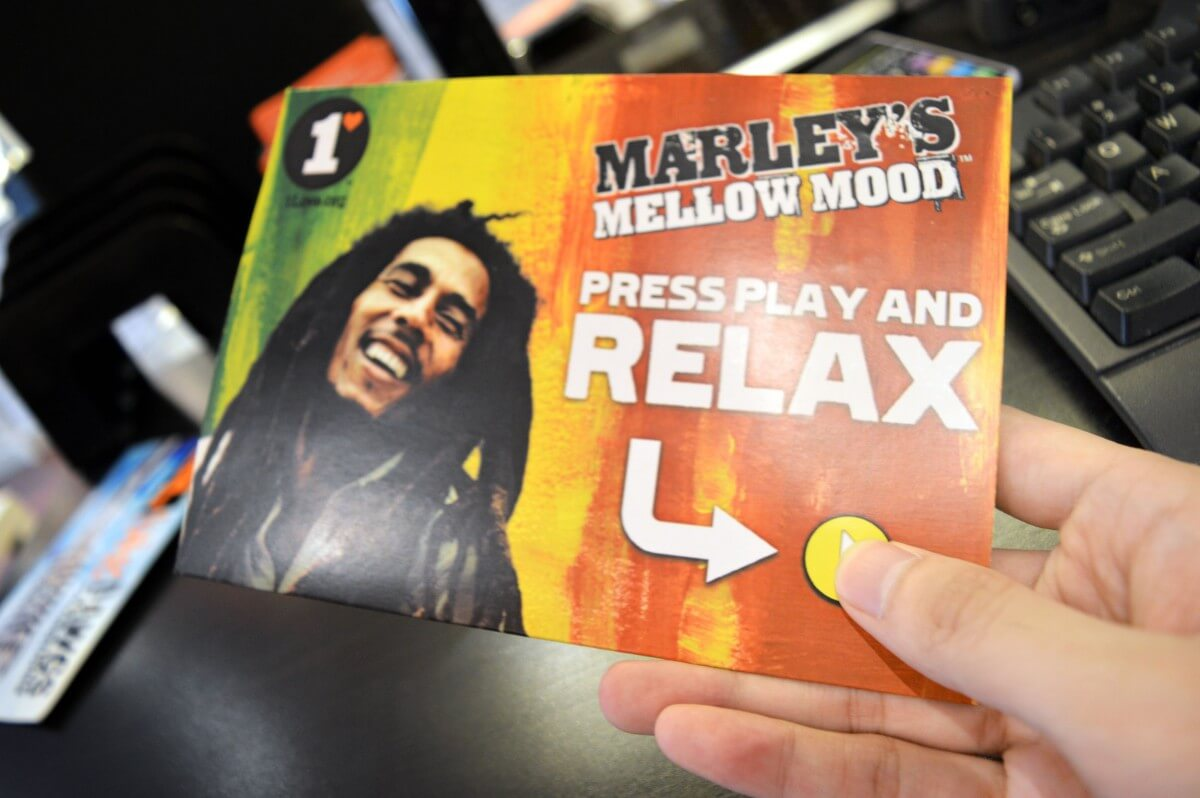 soundPostcard - Marley's - hands on