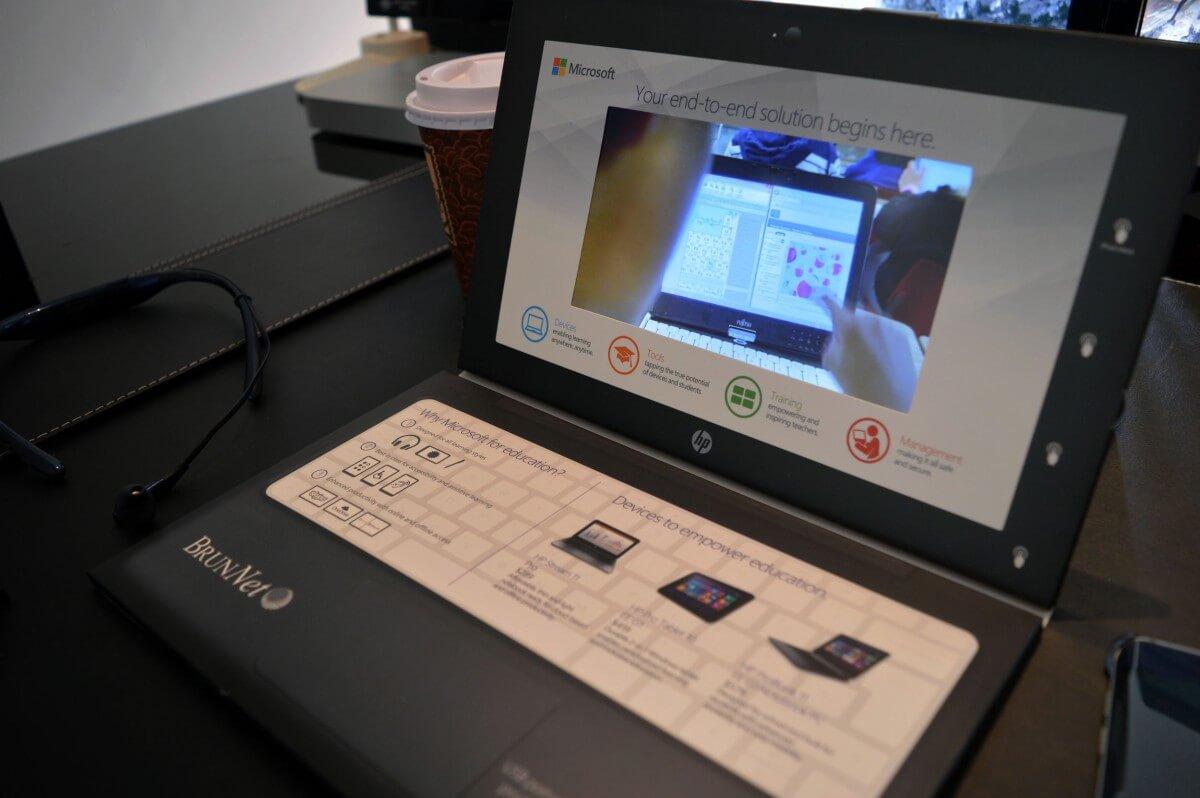Custom videoCARD - Microsoft Windows - open