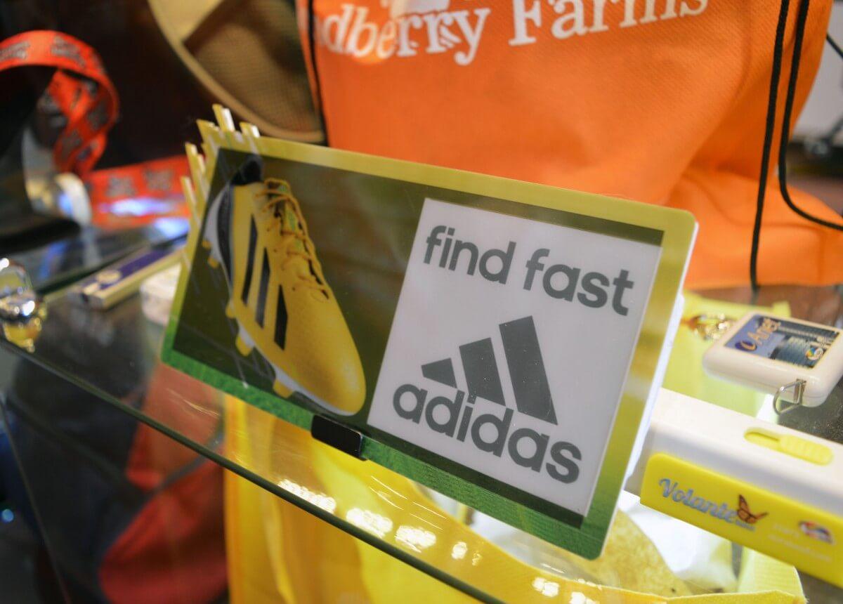 flashingLCD - Adidas - display