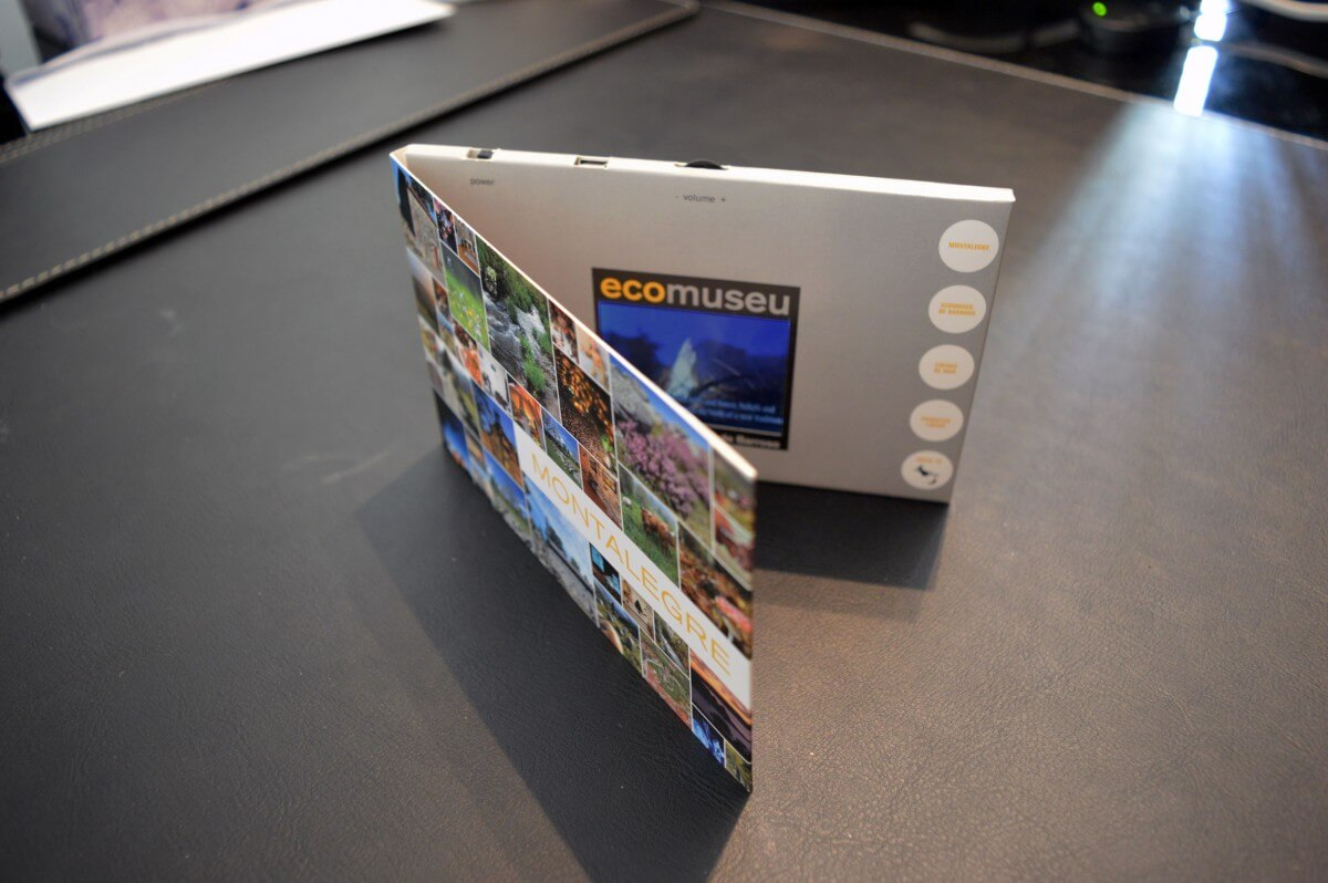 ecomuseu custom LCD video greeting card